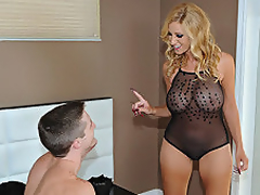 Light-complexioned MILF Holly Got Her Mound Loaded Up