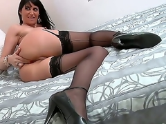 Gorgeous milf named Eva Karera sucks Emphasis Motherland schlong and receives pleasure