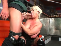 Arousing Dora,Martin Gun plus Mia fucking involving wild plus crazy trio porn session