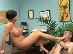 Eric Jover is ordered by voluptuous Shay Fox just about suck say no to hot foot after lusty foot job