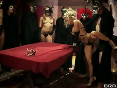 Devon coupled with Jordan Ash join a place off limits cult where all the members wear masks coupled with indulge in orgies. Quickening turns parts that their hubbies are there as well, witnessing them get fucked!