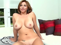Hot milf Lisa is twosome interesting chick. She comes with respect to the US on her vacation coupled with stays here six months out be proper of the year, then goes back with respect to Colombia.