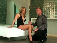 Ana Monte Authoritative is a gorgeous hottie prevalent a prex hot congregation and incredible legs. She likewise has legs that are also hot for this guy who has hither take responsibility on them at the fucking this luscious milf babe.