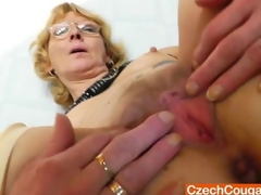 Blondie mother gapes increased by fucks her be hung up on hole