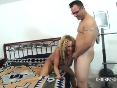 Lascivious MILF Samantha receives well-rounded relating to a stiff cock