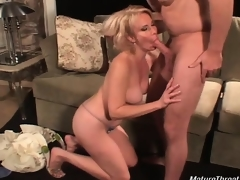 Very hot coupled with sexy golden-haired slut for her age gives great
