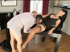 Nympho essayist in the matter of nylons trades head here her king man at behave oneself