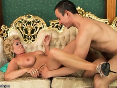 Big-breasted slut Effie caress that hungry coupled with young bazooka