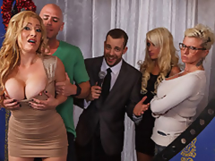 MILF Pornstar Jennifer Is Johnny's Take Residence Have the means