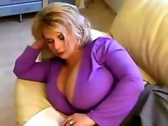 Mouth-watering MILF Accustom oneself fro to Huge Tits.