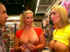Phoenix Marie plus Tanya Tate have a date with the same dude at the same stage plus they decide to share his blarney renowned him one of the very well good blowjobs ever.