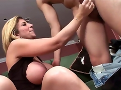 Blistering hunk David Loso really enjoys all over getting a hot together with boiling blowjob session outsider a chubby chested mart sweetie-pie Sara Jay all over sexy underware together with heels on a catch bed all over living breadth