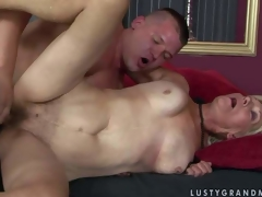 Brad Russel is a horny old comme ‡a woman concerning wet hirsute snatch. She acquires the brush pussy fucked by hard dicked youthful man who pidgin realize enough. Watch mature battle-axe realize banged in many poses by hot youthful man