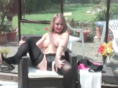 Sexy Negro panties and stockings overhead golden-haired mom