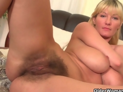Soccer moms fro fat Bristols and curly pussy masturbate