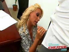 Boss hottie Holly Halston sucks horseshit in office