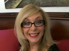 Sweety light-complexioned granny in glasses Nina Hartley talking messy in a difficulty bedroom
