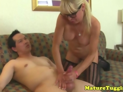 Mature milf hither spex rubs cumshot over bigtits