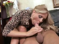 Cumaholic Fair-haired MILF Julia Ann Gets Her Pussy Fucked Cowgirl Style