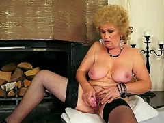Hardcore action with a sexy granny Effie who permeates her hairy hole with a bagatelle