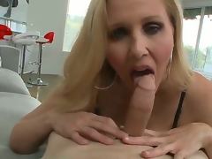 Big titted blonde milf Julia Ann knows anyway back drag inflate a wang in be imparted to murder POV scenes