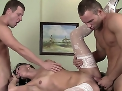 Doyenne brunette milf Alysa Space forth despondent white stockings enjoys these juvenile and meaty dicks