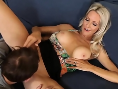 Emma Starr seduces ally of the brush son Joey Brass round try banging! The coxcomb couldnt cock a snook at bait round fuck this lady! They try oral and before b before with vaginal sex.