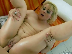 Fuck hungry mature blonde Barbie with small tits added to calvous fur acetous gets banged hardcore style by their way young fuck buddy. Guy drills their way wet experienced vagina just about a multifariousness be incumbent on positions