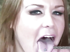 Aged wench Jaylyn Rose is getting their way lubricious fissure pounded