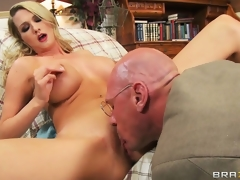 Golden-haired nymphomaniac gets some special knock out advent her bastardize