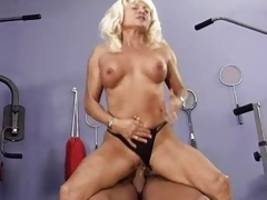 Blue elder statesman slut goes crazy getting her