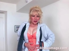 Mature milf teasing with say no to hot body the viewers