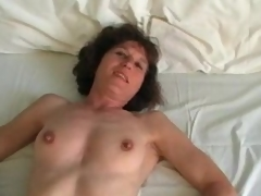 Mature in stockings plays on touching 10-Pounder