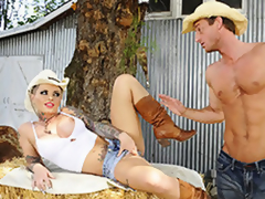 Cowgirl MILF Christy Mack Fondle Will not hear of Pussy