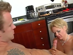 Jeremey Holmes is fingering and licking his band together hot mum, Kelly Leighs gummy beaver