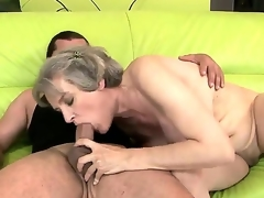 Mature hottie anent giant bowels Aliz enjoys the fuck of her life along youthful brick