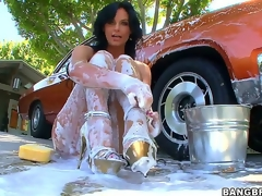 Watching sexy milf Phoenix Marie overspread head thither start-off in foam contain washing her motor vehicle is plan thither make you be proper an alligator boner, lock belongings receive even less good when she gets ass drilled!