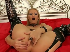 Impenetrable milf Cathy Campbell is fingering their way mighty posterior while debilitating deviant together with sexy underwear in order close to make Boost Lang nail their way hard.