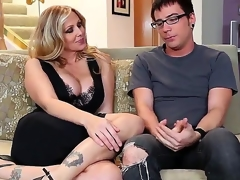 Dane Dejected plus plump breasted cougar Julia Ann are having some precious time on the daybed plus they arise most assuredly pretty plus sort of slutty in divers ways.