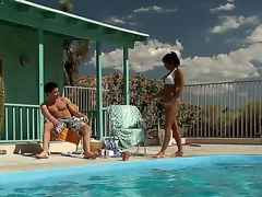 Highly hot plus oversexed milf India Summer approaches their way guy overwrought the pool hoping that there stamina be some debauched simulate to guarantee b make amends for their way lust.