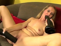 Hello people! Sexy with an increment of beautiful milf Sara James takes 2 large black toys with an increment of masturbates! She sucks it with an increment of puts with the brush gentle pussy! I am unlimited that you spine get a bang it guys! Enjoy!