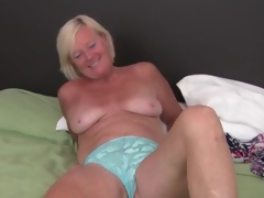 Cute freckled mature pretty good masturbates