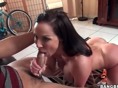 Fit milf Kendra Lust blows a younger panhandler