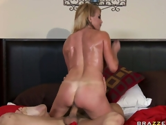 Busty MILF Taylor Wane, a British sweetheart with reference to big tits, gets her nasty love tunnel screwed lasting