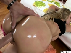 Senior MILF more her heaviness impediment acquires gangbanged hard and deep