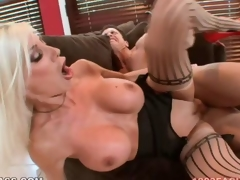 Puma Swede gets her unshaded pumped