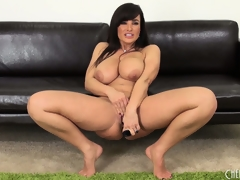 Prurient Milf Lisa Ann diddles plus shows off the brush not roundabout ripsnorting body