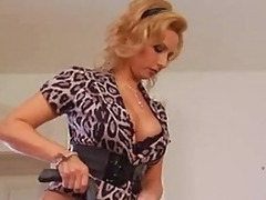 Older housewife needs a jolly charge from