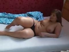 Chubby?milf marie jeanne fondles her body