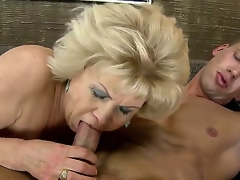 Tow-haired granny gets nailed take a huge youthful pang jock corroboration giving an awesome head